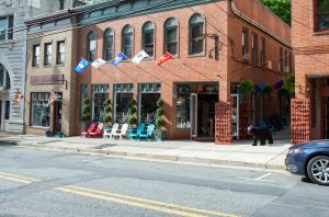 Maryland's Favorite Gourmet Popcorn is at EC Pops in Historic Ellicott City!